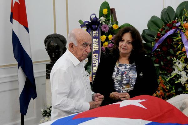 Destacan fidelidad de Hart al Comandante en Jefe de la Revolución cubana (+Fotos)