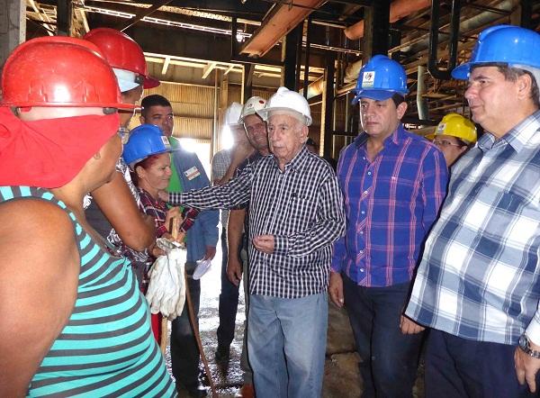 Convoca Machado Ventura en Camagüey a mayor eficiencia en la zafra azucarera (+ Fotos)