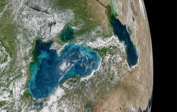 El mar Negro ahora es azul turquesa
