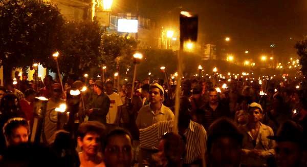 La juventud camagüeyana marchó con antorchas en honor al Héroe Nacional (+ Fotos)