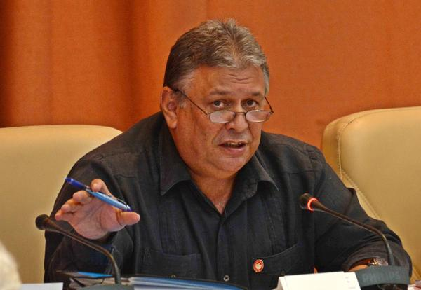 Anuncian nuevas modificaciones al trabajo no estatal en Cuba