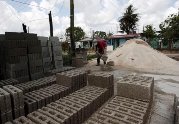 Impulsan en Camagüey producción de materiales de la construcción