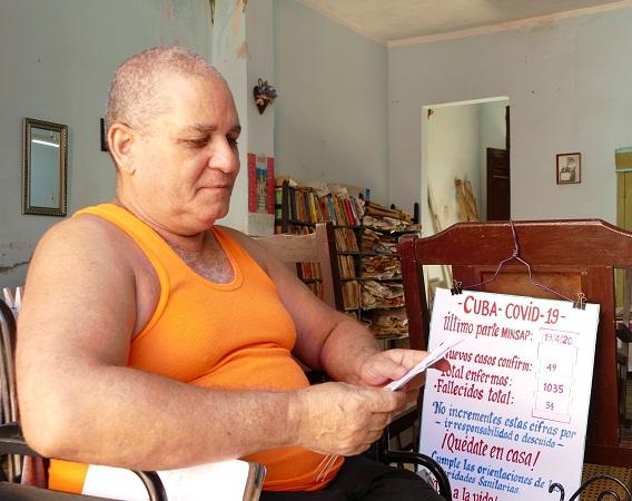 El camagüeyano Alfredo Mengana informa y aconseja a sus vecinos  (+ Fotos y Audio)