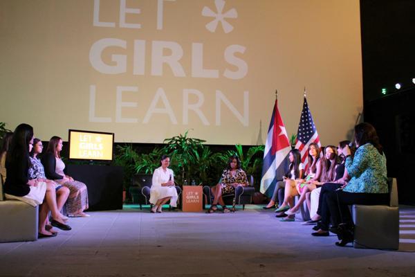 Michelle Obama se acerca a experiencias educacionales cubanas