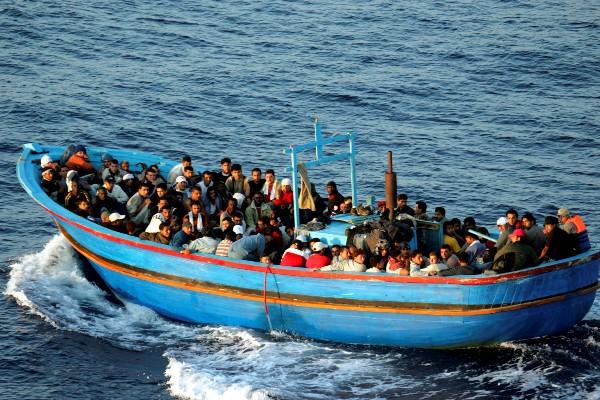 Anuncia Francia medidas para normalizar el flujo migratorio hacia Europa