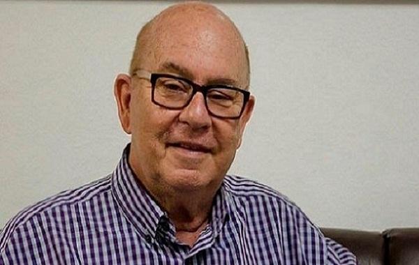 Intelectual cubano Miguel Barnet lee sus poemas en Perú