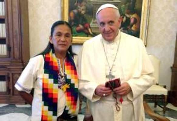 Envía el Papa un rosario a diputada argentina encarcelada