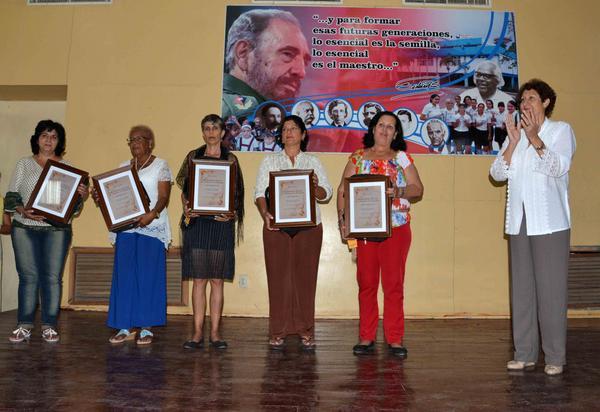Honrados los camagüeyanos en el Día del Educador (+ Fotos)