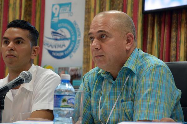 Ministro cubano de Salud expresa confianza en estudiantes de Ciencias Médicas (+ Fotos)