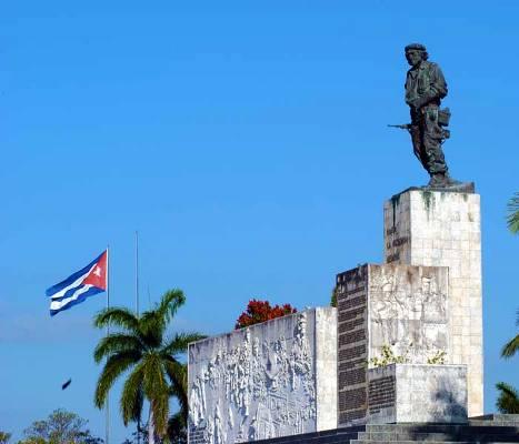 Santa Clara recuerda al Che a 20 años de su regreso