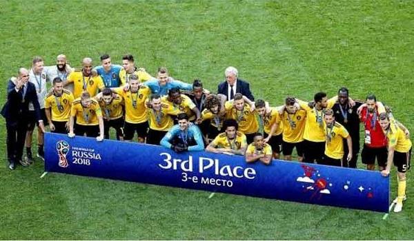 Bélgica vence a Inglaterra por tercer lugar en Copa Mundial de Fútbol