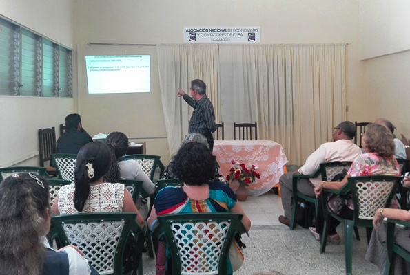 Recognize in Camagüey investigative work of women economists