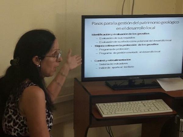 En Camagüey, mujeres economistas y contadoras debaten sobre desarrollo local