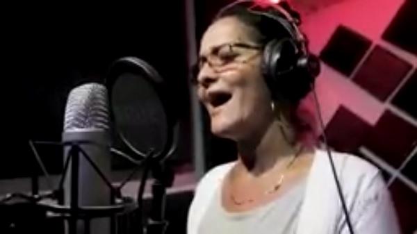 Artistas camagüeyanos dedican canción  a médicos cubanos.