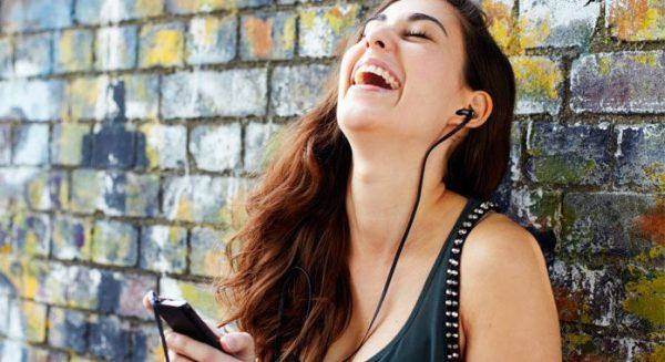 La música alegre incentiva la creatividad, según estudio