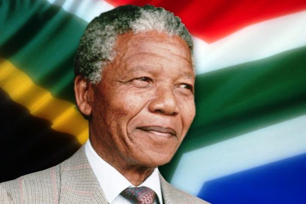 Develan estatua de Nelson Mandela en sede de Naciones Unidas