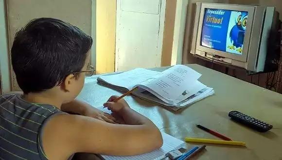 Ministra de Educación insta al seguimiento a los alumnos en tiempos de teleclases