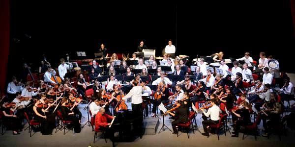 Elogia en Camagüey al público cubano director de orquesta estadounidense