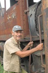 Ortiz, nieto e hijo de una generación de maquinista, operó la locomotora 11 que trabajó en el canal de Panamá.