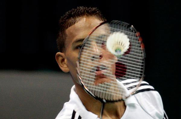 Three Cubans in badminton tournament semifinals