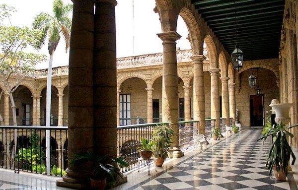 Antiguo vitral art nouveau será develado en Palacio del Segundo Cabo