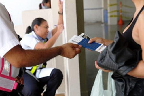 Recibe México nuevo grupo de migrantes cubanos