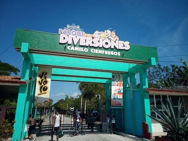 Les actions de maintenance sont réalisées dans le parc d'attractions de Camagüey