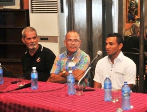 Intercambian Pastores por la Paz con médicos cubanos
