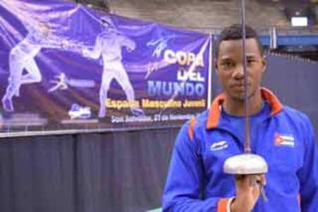 Cubano Paterson  gana oro en Copa del Mundo Espada Juvenil