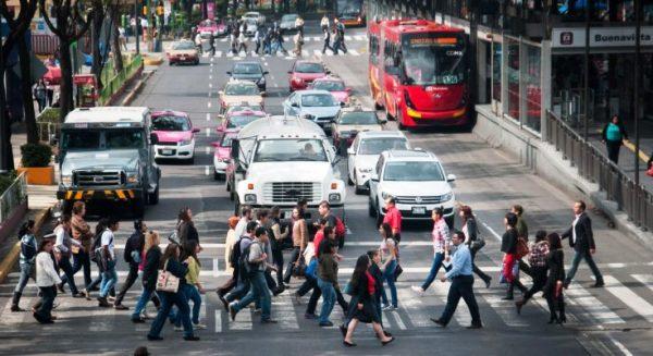 Proponen red de pasarelas móviles para centros urbanos