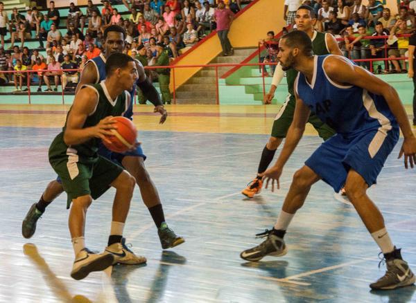 Pinar del Río desbanca a Capitalinos y discutirá final del Baloncesto cubano