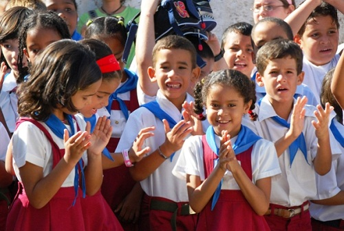Felicitan a las nuevas generaciones de camagüeyanos por el 4 de abril