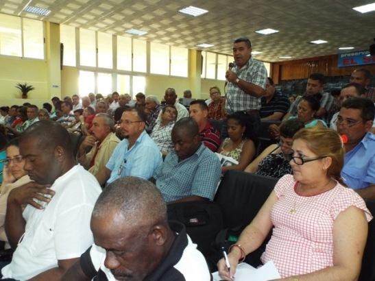 El Pleno analizó insuficiencias de la gestión productiva y de servicios.