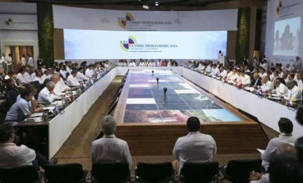 Condena Cumbre Iberoamericana bloqueo de EE.UU. contra Cuba