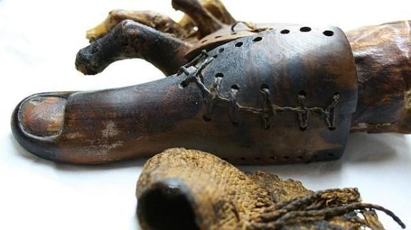 Expertos examinan prótesis del antiguo Egipto
