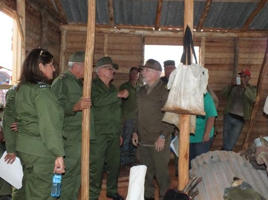 Constata Ramiro Valdés labores de recuperación en tierras camagüeyanas