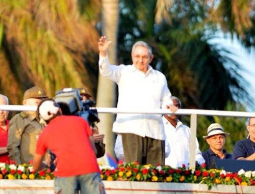 Preside Raúl celebración por el 1ro de Mayo en Cuba