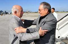 Raúl Castro regresa a Cuba tras participar en Cumbre de G-77 más China