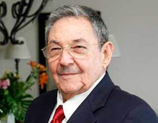 Raul Castro receives the Governor of the Brazilian State of Bahia