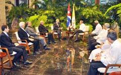 Se entrevista Raúl Castro con delegación de la Santa Sede