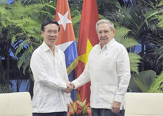 Raúl a reçu un haut dirigeant du Parti communiste du Viêt-Nam