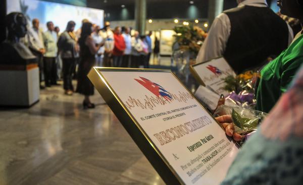 Reconocen desempeño de trabajadores en organización política de Cuba