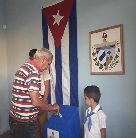Camagüeyanos respaldan referendo constitucional con su asistencia a las urnas