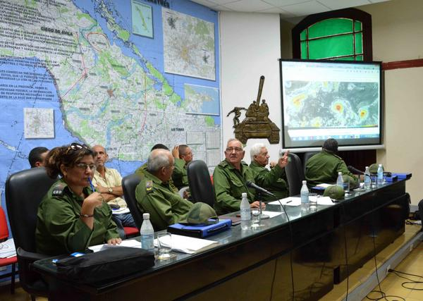 Evalúan en Camagüey acciones previstas en provincias en alerta ciclónica (+ Fotos)