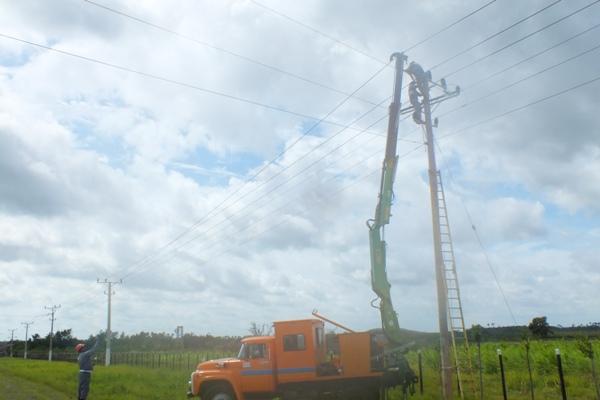 Comienza a restablecerse gradualmente en Camagüey el servicio eléctrico (+Audio)