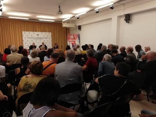 Participa vicecanciller Rogelio Sierra en acto de solidaridad con Cuba en Italia