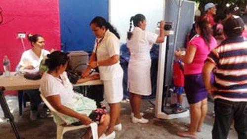 Cooperantes cubanos benefician comunidades de El Salvador
