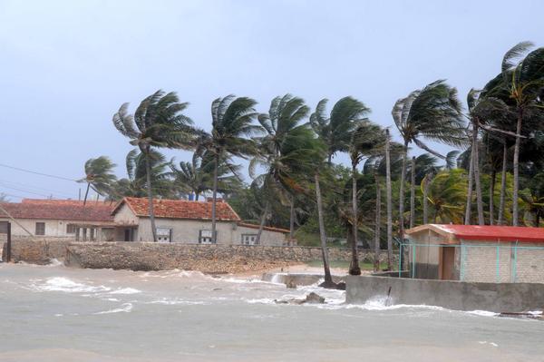 Litoral norte de La Habana comienza a sentir impacto de Irma