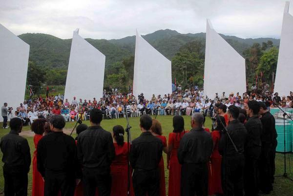 Aquí se te quiere compay, cantan artistas santiagueros a Fidel