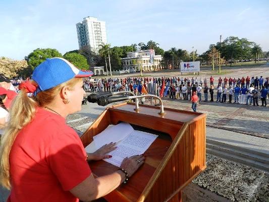 A paso firme y seguro marchan los camagüeyanos este 1ro de Mayo (+ Fotos)